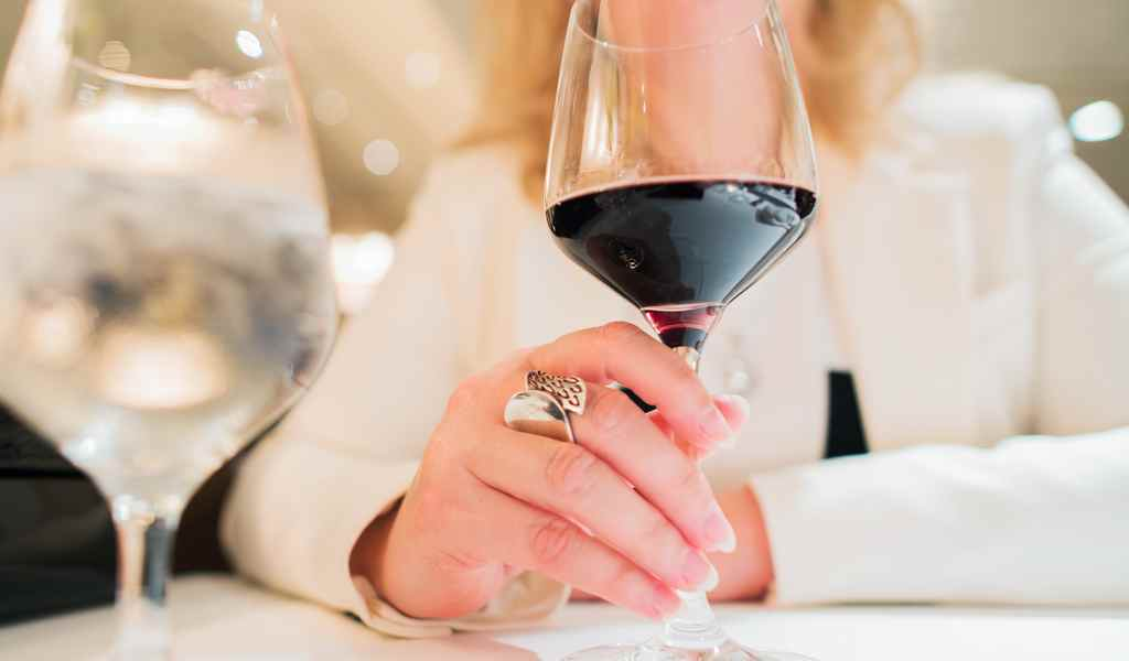 Лечение женского алкоголизма в Болычево анонимно